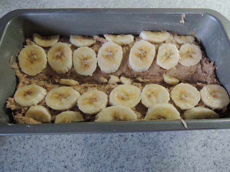 切ったバナナを飾ります