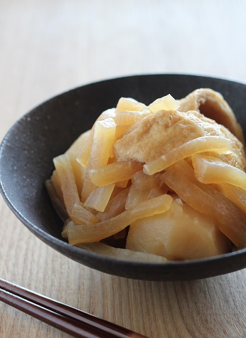 大根とじゃが芋と揚げの煮物