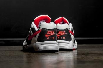 Nike_Air_Icarus_NSW_Volt_2-640x428.jpg