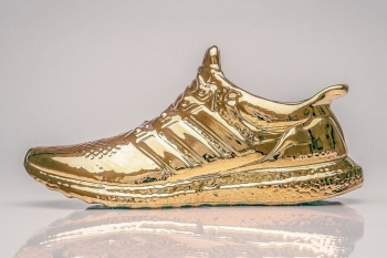 artist-creates-gold-dipped-adidas-ultra-boosts-1.jpg