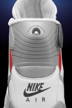 nike-is-bringing-back-this-infamous-sneaker-for-the-first-time-ever-3.jpg