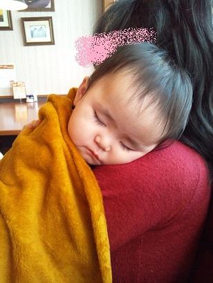 抱っこ中に熟睡