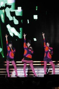 news_thumb_Perfume_2010MAMA_01.jpg