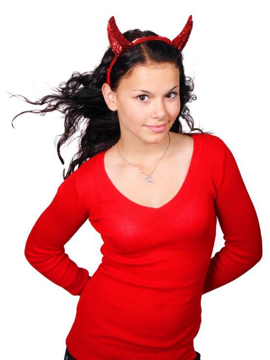 少女赤い服
