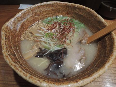 鶏玄塩らぁめん(702円)