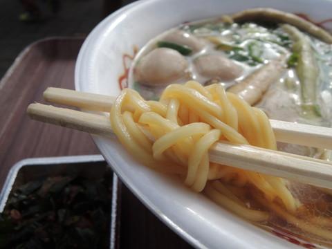 大和牛スジらーめんの麺