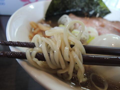 青雲志らぁ麺の麺