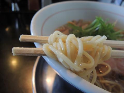 柳麺(醤油)の麺