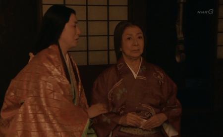 せっかく落ち着いた新府城を引き払うことに抵抗するお母様 真田丸