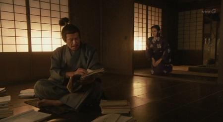 自宅に帰ったさきは、父・高梨内記に呼び止められます 真田丸