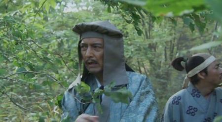 穴山梅雪は、徳川家康と行動をともにせず、落ち武者狩りにあって死亡。 真田丸