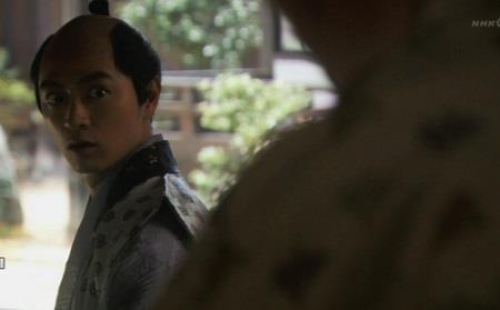 さきほど「いまこそ上野を取り戻す時でございます」と熱弁していた息子・氏直はビックリ(笑) 真田丸