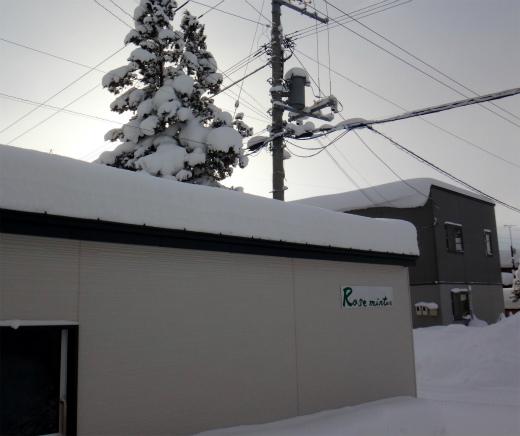 s-781-1屋根の雪