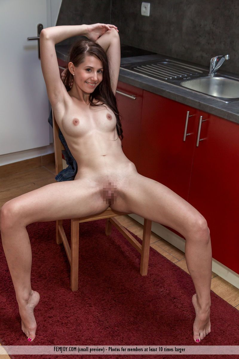 Vanessa A. - TASTES GOOD 03