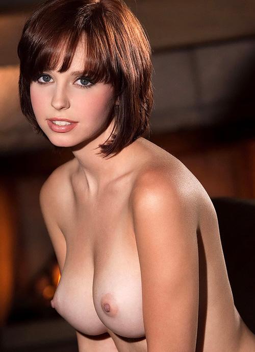 唾液まみれにベロベロに舐め回したい海外巨乳おっぱいのポルノ画像