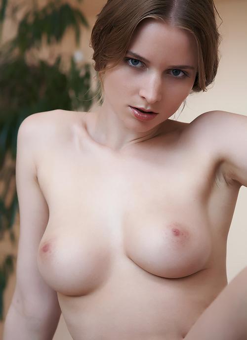 【H画像】外人美女達の乳首と乳輪が綺麗すぎるエッチなおっぱい♪