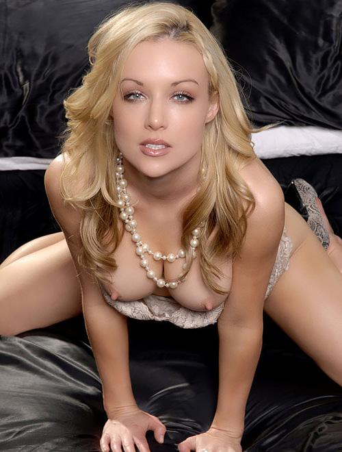 光り輝くガチ金髪美人を厳選したアメリカ人女性のヌードポルノ画像