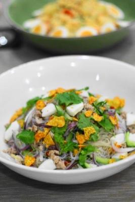 イカとパクチーのヤムウンセン(タイ風春雨サラダ)