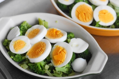 蒸しブロッコリーとゆで卵の豆乳グラタン2