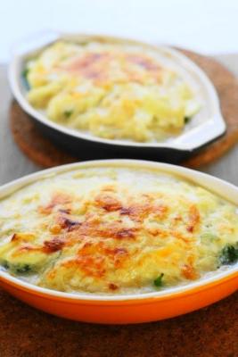 蒸しブロッコリーとゆで卵の豆乳グラタンb