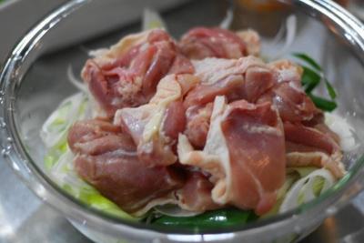無水調理 de 鶏肉と長ねぎのピリ辛中華蒸し2