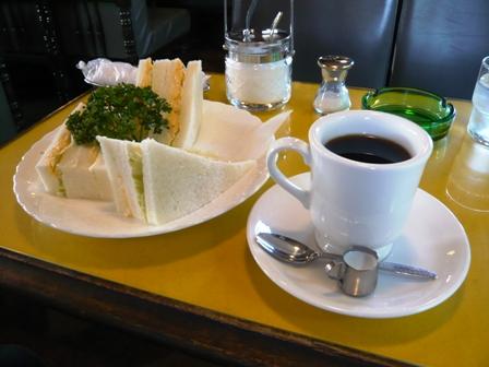 トップハット:エッグサンド、ホット珈琲