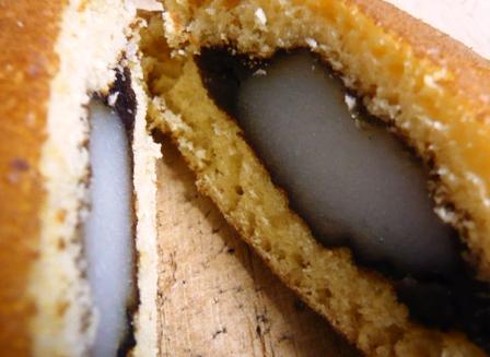 風月堂:餅入りどら焼き2