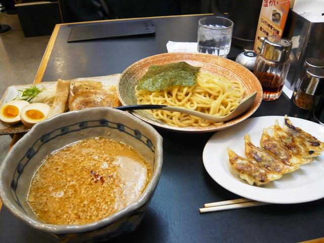 三河開化亭:こってり味噌つけ麺、黒豚餃子