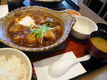 大戸屋:四元とんロースの味噌かつ煮定食1