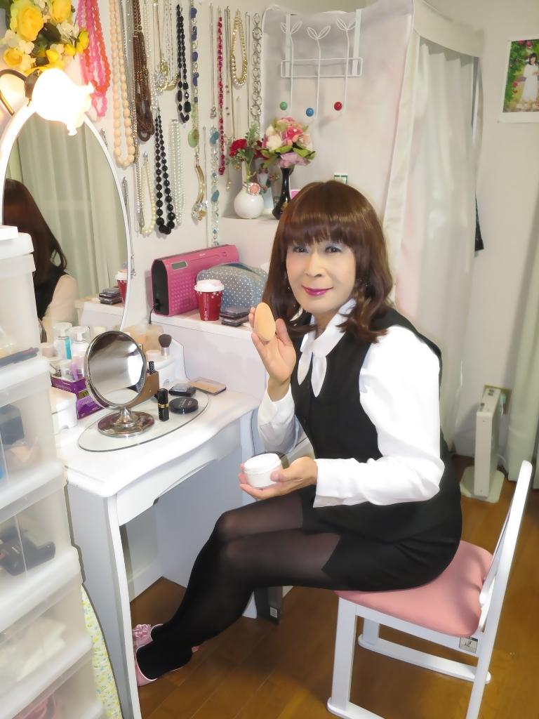 黒OLベストスタイル化粧台前(4)
