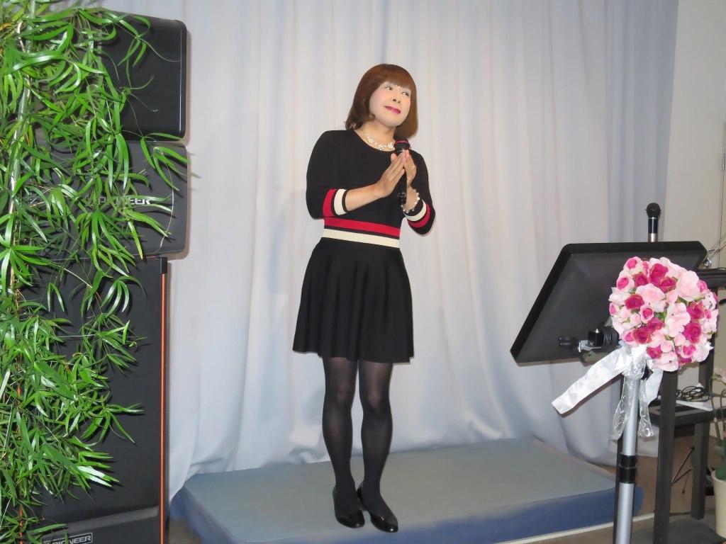 黒ワンピースカラオケ(3)