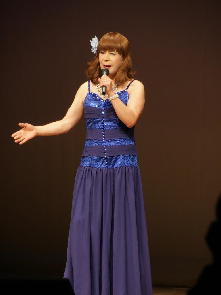 青紫のドレス舞台(3)