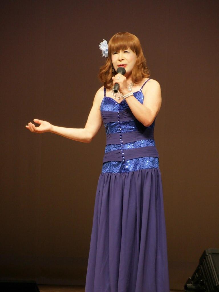 青紫のドレス舞台(4)