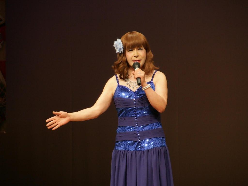 青紫のドレス舞台(5)