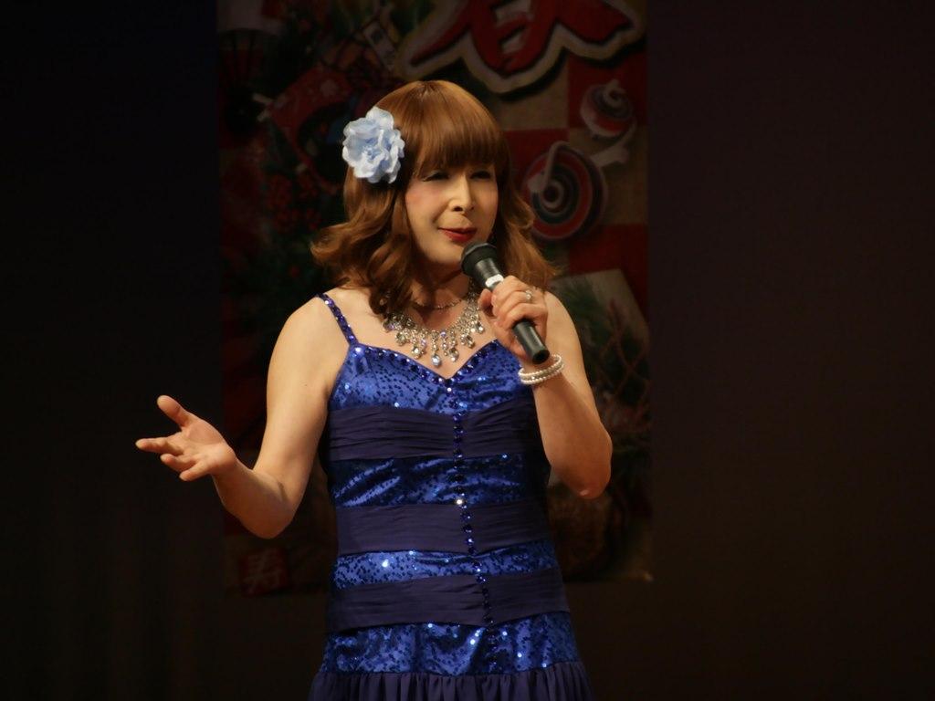 青紫のドレス舞台(6)