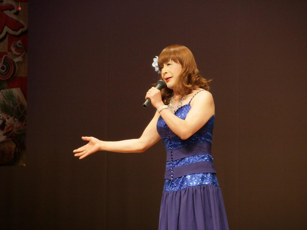 青紫のドレス舞台(7)