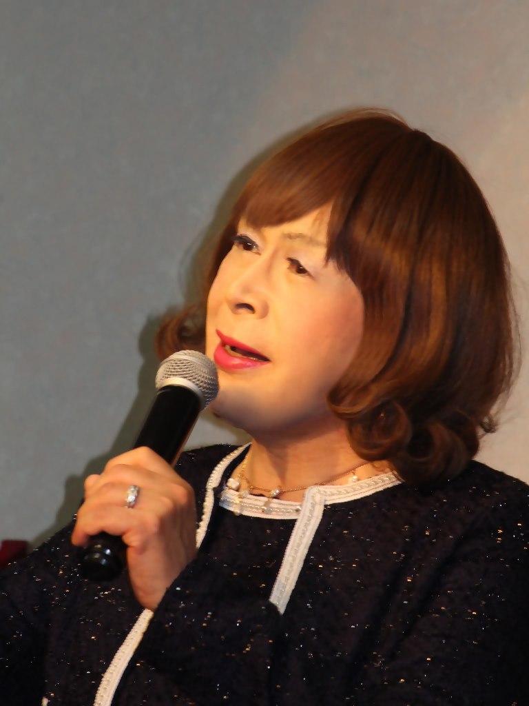 紺アンサンブルスーツカラオケ(4)