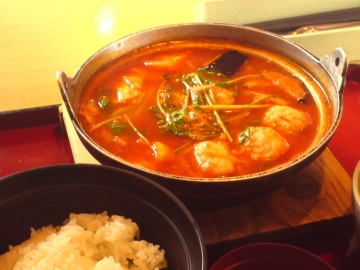 1桜島鶏団子入りトマト鍋定食