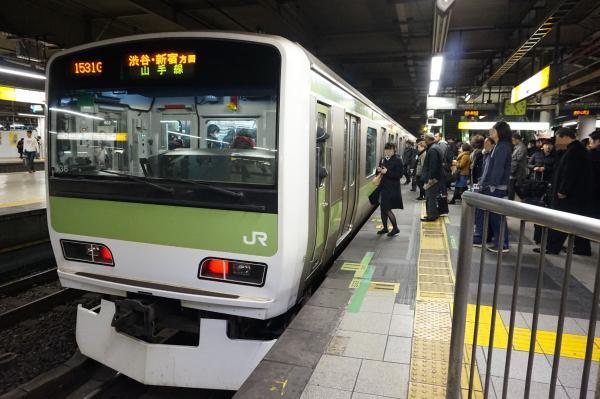 2015-12-18 山手線E231系トウ536編成 渋谷・新宿方面行き