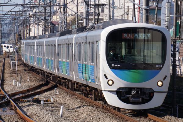 2015-12-20 西武38114F 急行西武新宿行き 2320レ
