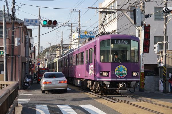 2016-01-08 江ノ電1002F 鎌倉行き2