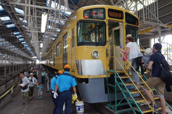 2015-08-22 西武2057F 2