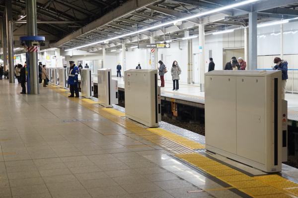 2016-02-05 西武池袋駅 ホームドア