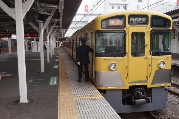 2016-02-13 西武2061F 急行西武新宿行き 2676レ