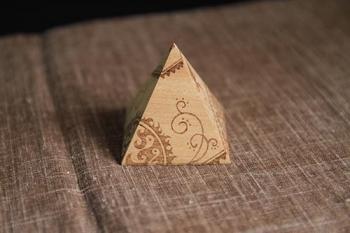 ウッドバーニング・ピラミッド01