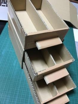 段ボール製の棚-04