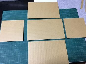 ダンボールで作る細長い仕切りのトレイ01