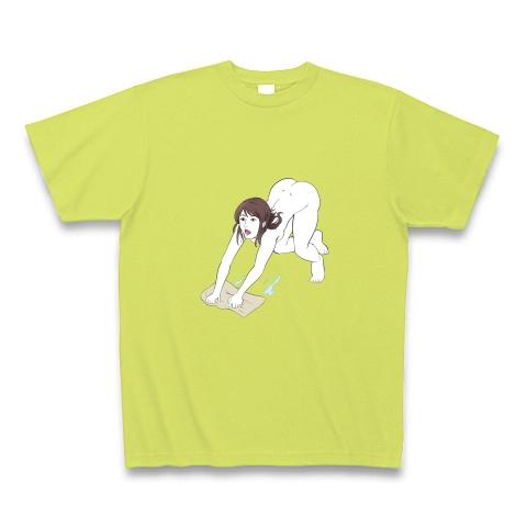 裸で雑巾がけをするセクシーな女性 Tシャツ