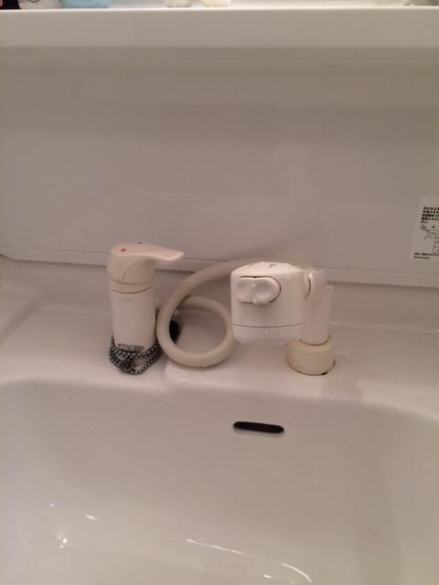 洗面所水栓取替 (3)