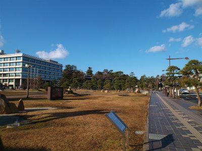 2.7松江城を望む